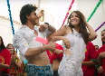 Anushka Sharma and Shah Rukh Khan Jab Harry Met Sejal Movie Song Stills  2