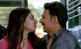 Bhumi Pednekar  Akshay Kumar Toliet Ek Prem Katha Movie Stills  13