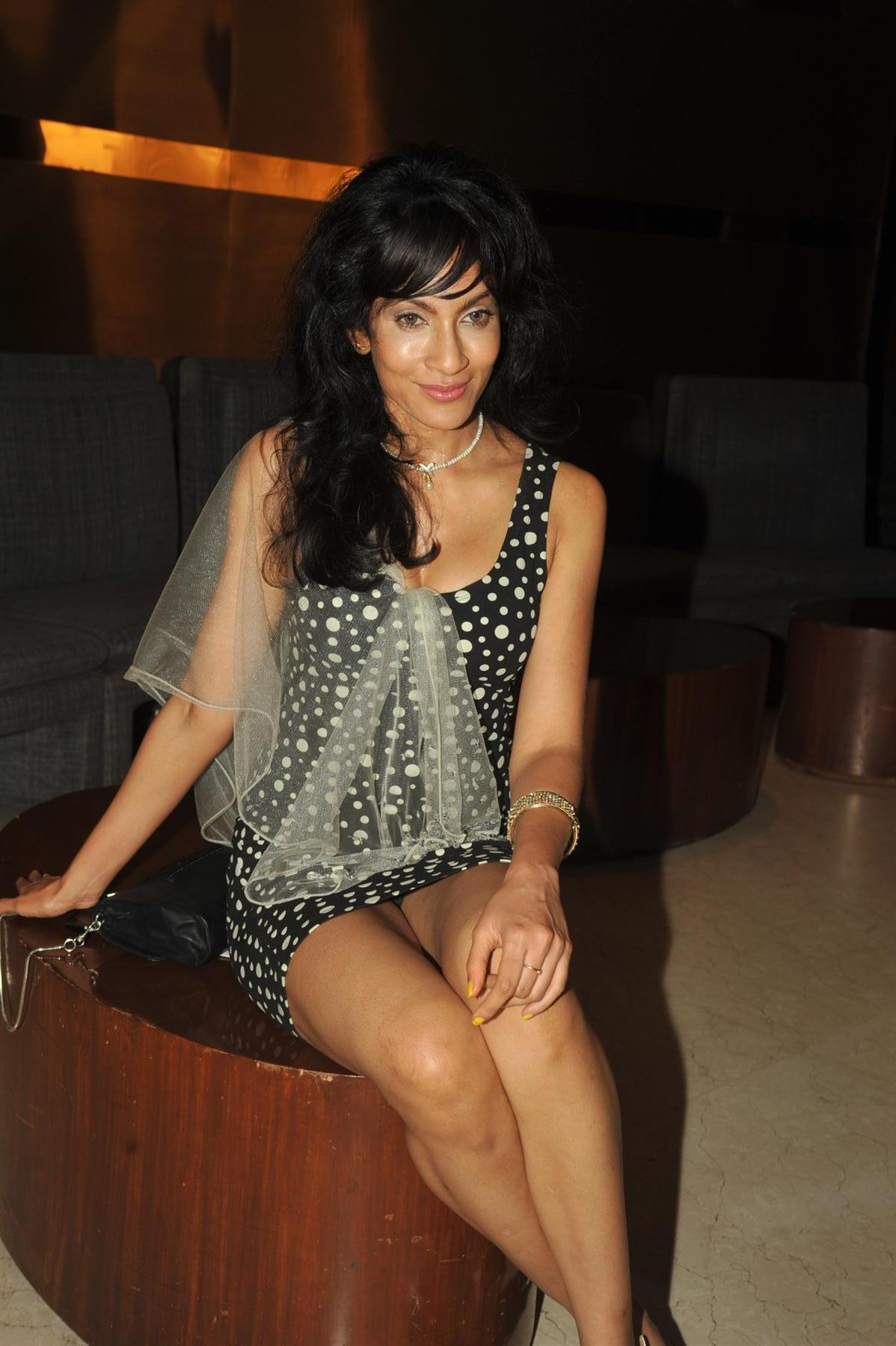 Sri Lankan model Chandi Pereira at Locations Awards 2012 in Mumbai 1
