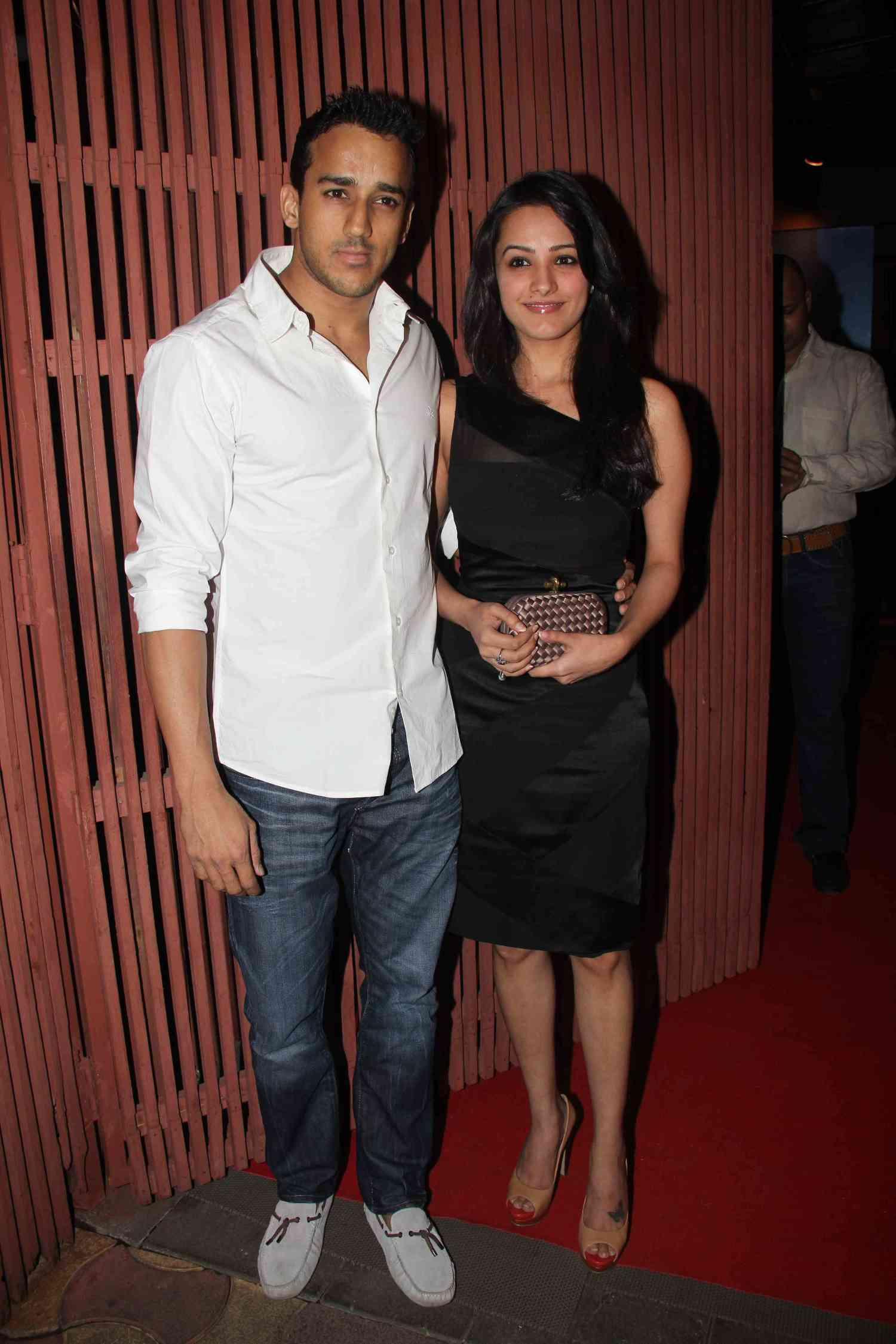 anita hasnandani with new boyfriend at film the dirty picture
