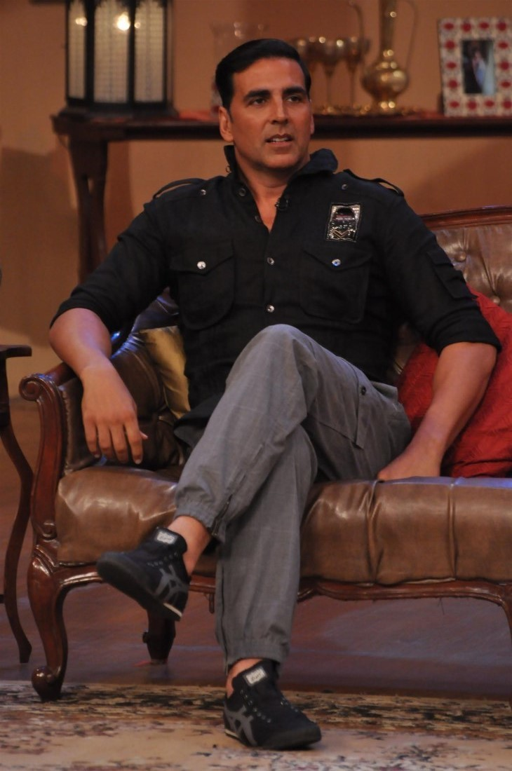 Akshay Kumar on the sets of Comedy Nights with Kapil 2