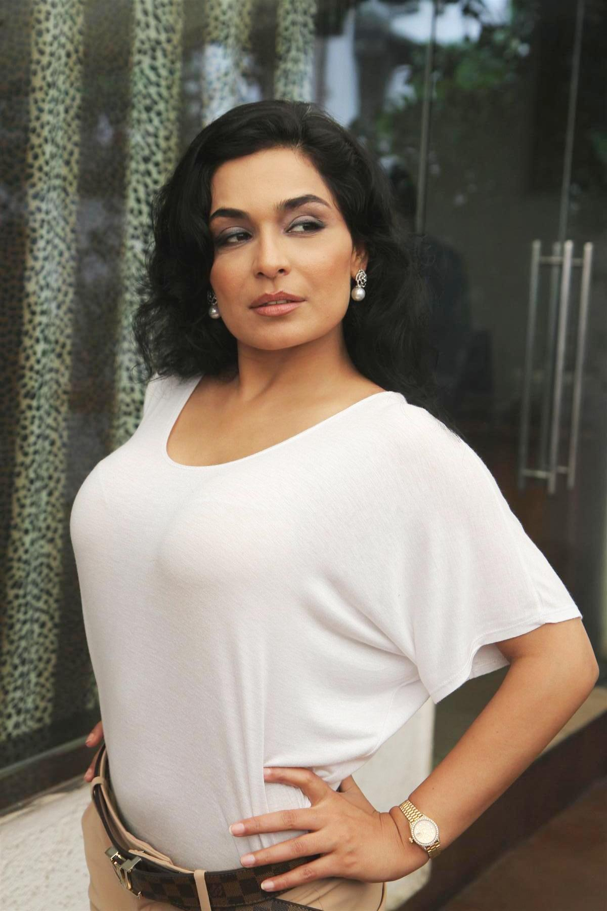 Pakistani actress meera with captain naveed sex scandal video