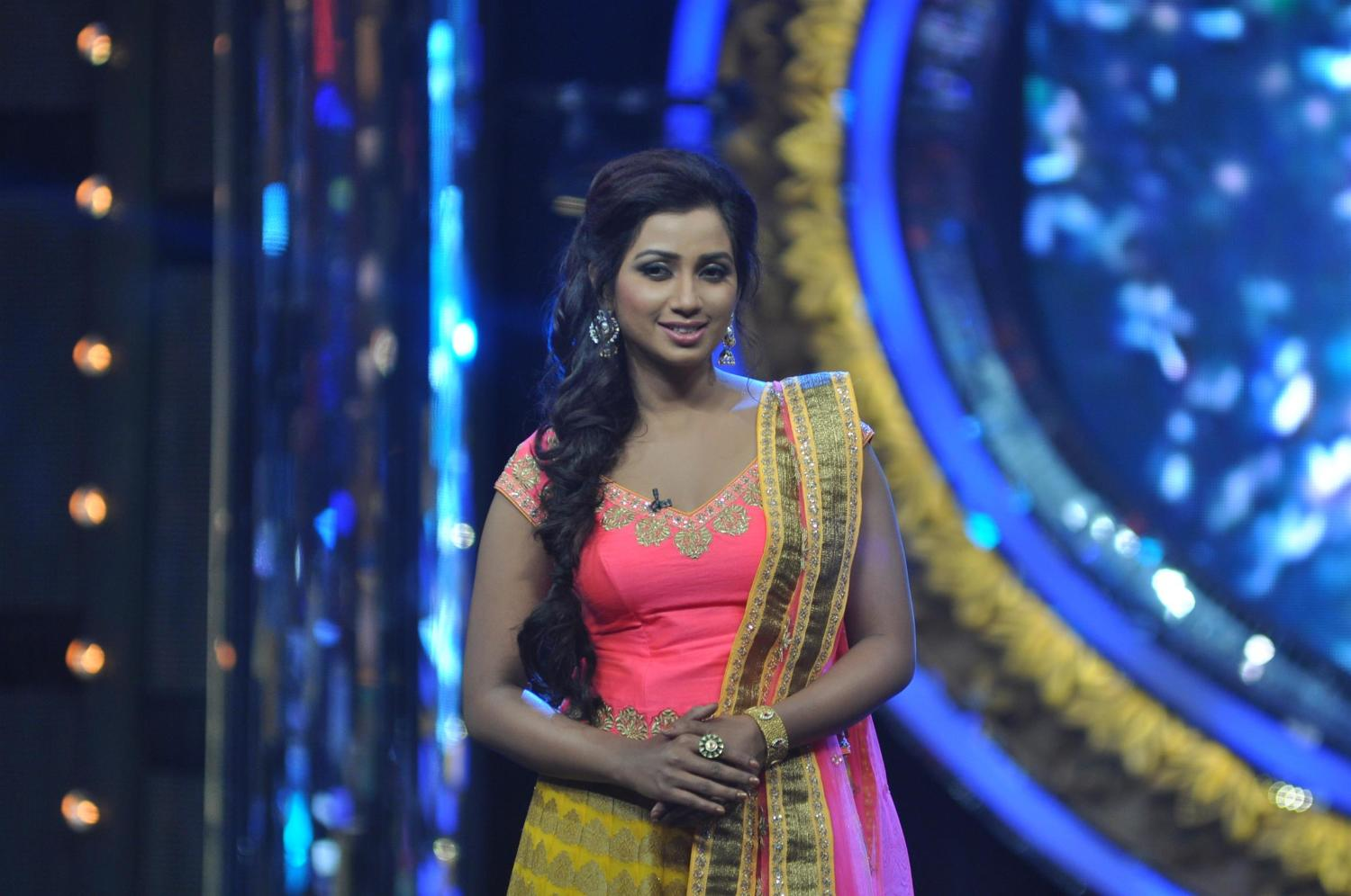 Singer Shreya Ghoshal on Indian Idol Junior sets 1
