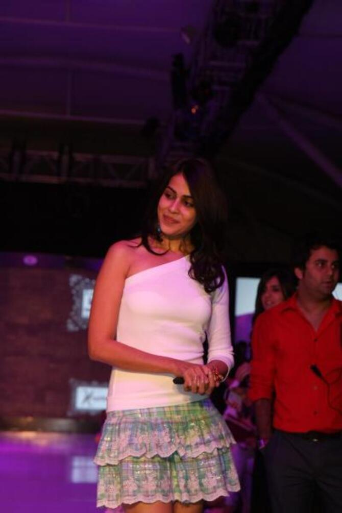 Actress Genelia DSouza walking the ramp at Grand Finale of India Kids Fashion Week 2012 in Mumbai  7