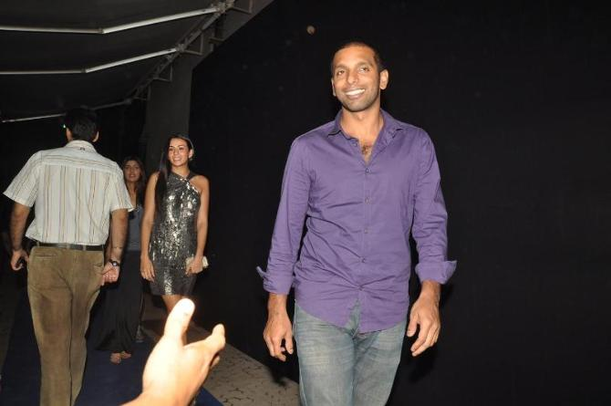 bollywood celebs at planet volkswagen launch at blue frog-photo9