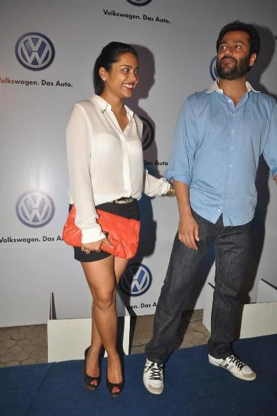bollywood celebs at planet volkswagen launch at blue frog-photo21