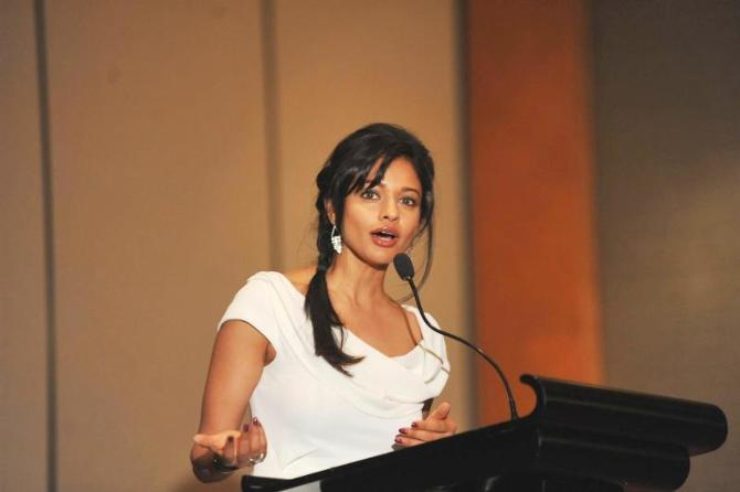 Pooja Kumar at film VISHWAROOPPremiere tie up with VIDEOCON DTH announcement event in Mumbai  7