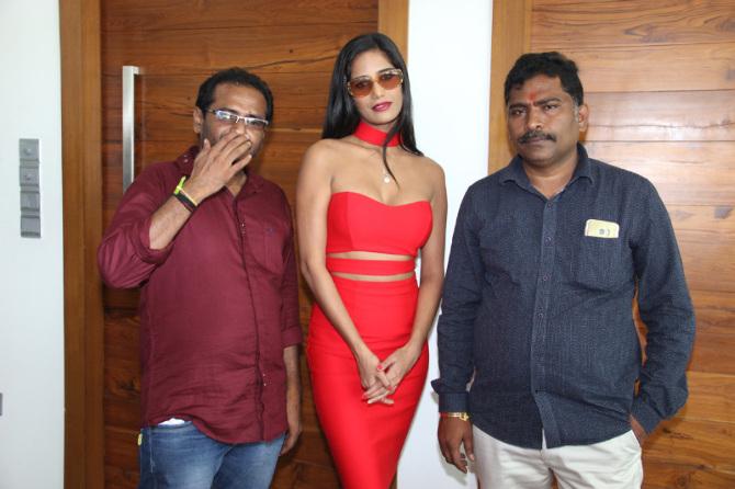 Poonam Pandey  s new film Opening  22