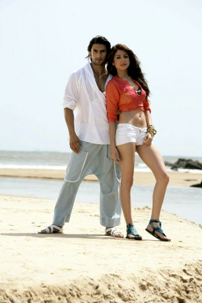 Anushka Sharma and Ranveer Singh Ladies vs Ricky Bahl Movie Pic