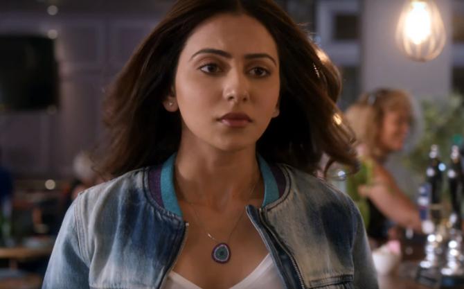 De De Pyaar De Movie Song Chale Aana starring Rakul Preet Singh  8