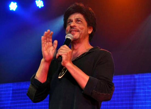 Shah Rukh Khan at Summer Funk 2012 event of Shiamak Davar in Mumbai Photo