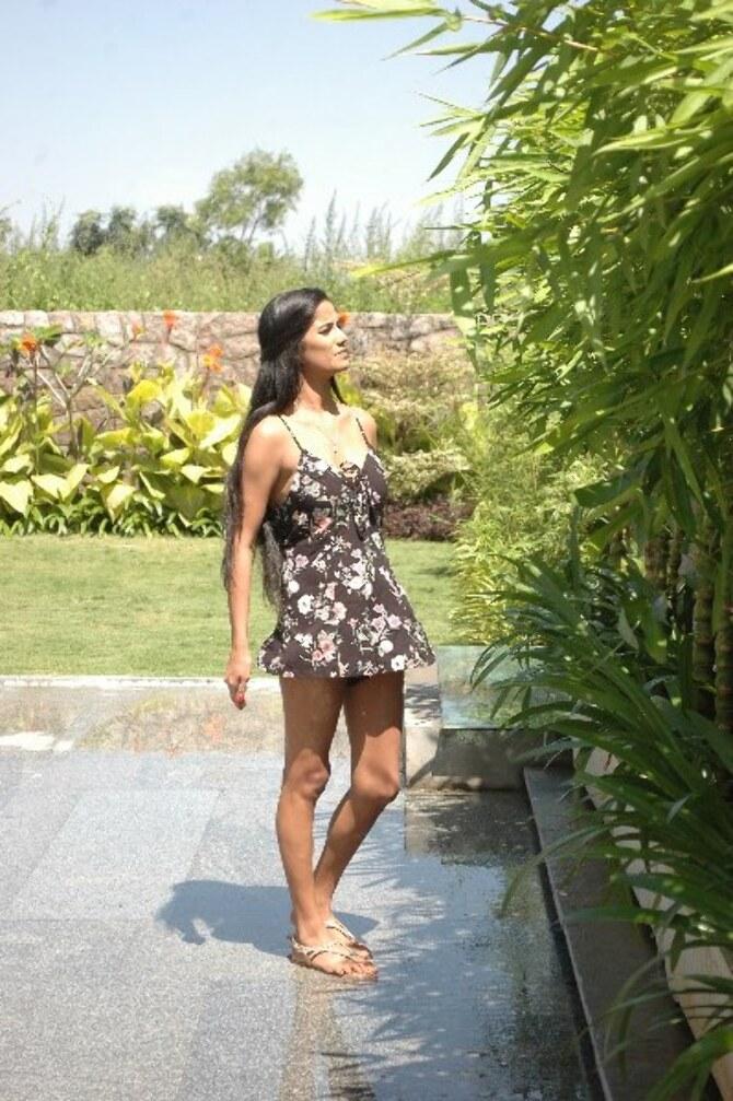 Poonam Pandey Movie 1st Schedule Completed  29