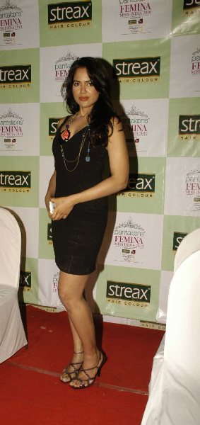 Sameera Reddy Miss India 2010 Hair Coloring Streax Event