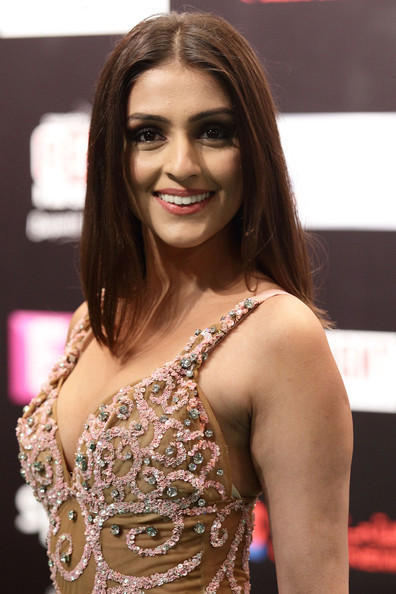 Aarthi Chabria IIFA Awards 2012 Rocks Green Carpet Hot Images