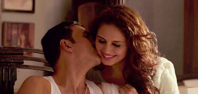 Huma Qureshi and Akshay Kumar Jolly LLB 2 Movie Song Stills 16