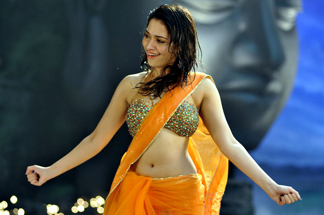 Tamanna in Saree Hot Image