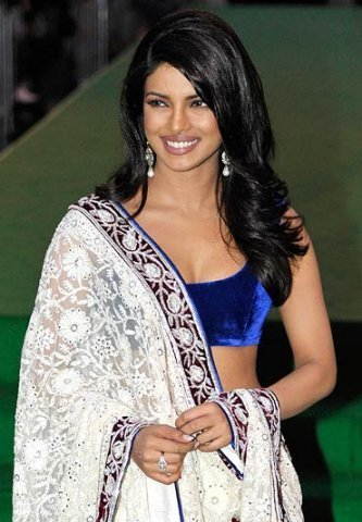 Priyanka Chopra Gorgeous Looks at IIFA 2011