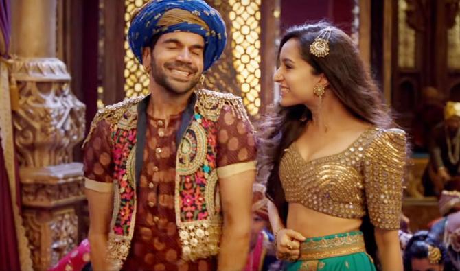 Shraddha Kapoor   Rajkummar Rao Stree Movie Milegi Milegi Song Pics  11