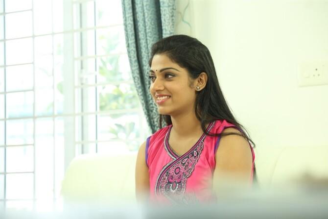Rajavin Paarvai Raniyin Pakkam Tamil Movie  29