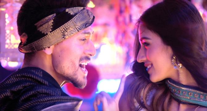 Disha Patani   Tiger Shroff Baaghi 2 Movie Photos  4