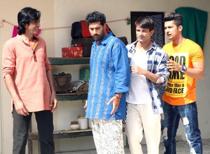 3 dev hindi movie photos-photo5