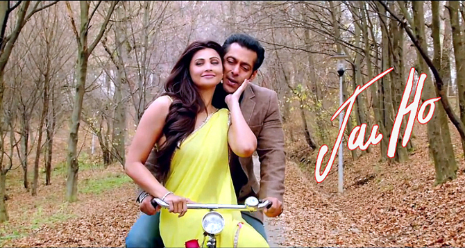 Daisy Shah Salman Khan Jai Ho Film Song Tere Naina Photo