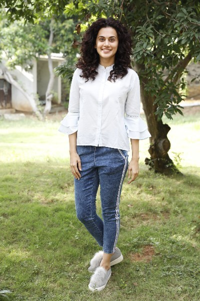 Taapsee Pannu Movie Game Over Pooja Stills  15