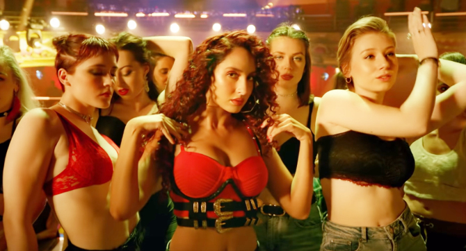 Nora Fatehi   Varun Dhawan starrer Street Dancer 3D Movie Song Garmi Pic  11