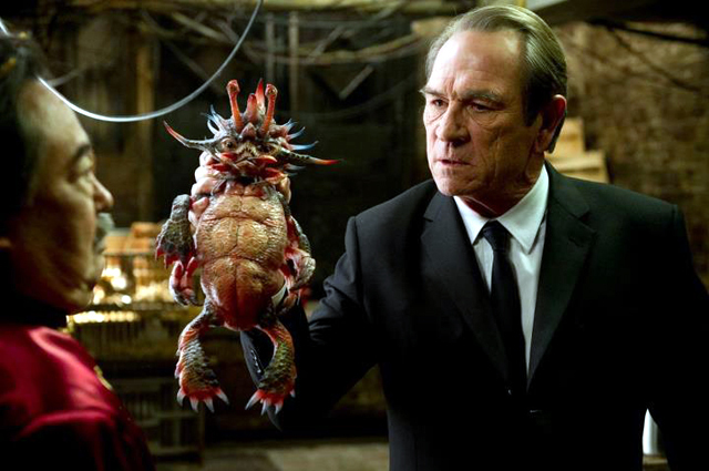 Tommy Lee Jones and Keone Young in Men in Black 3 Photo