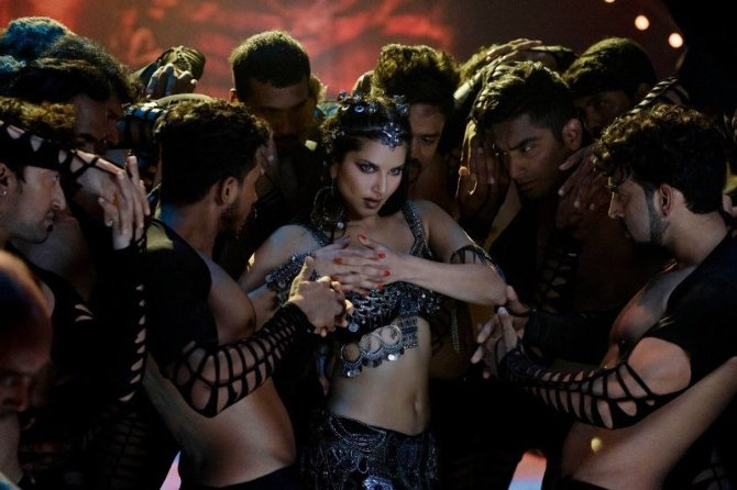 Sunny Leone Hot Song from Movie Bhoomi  4