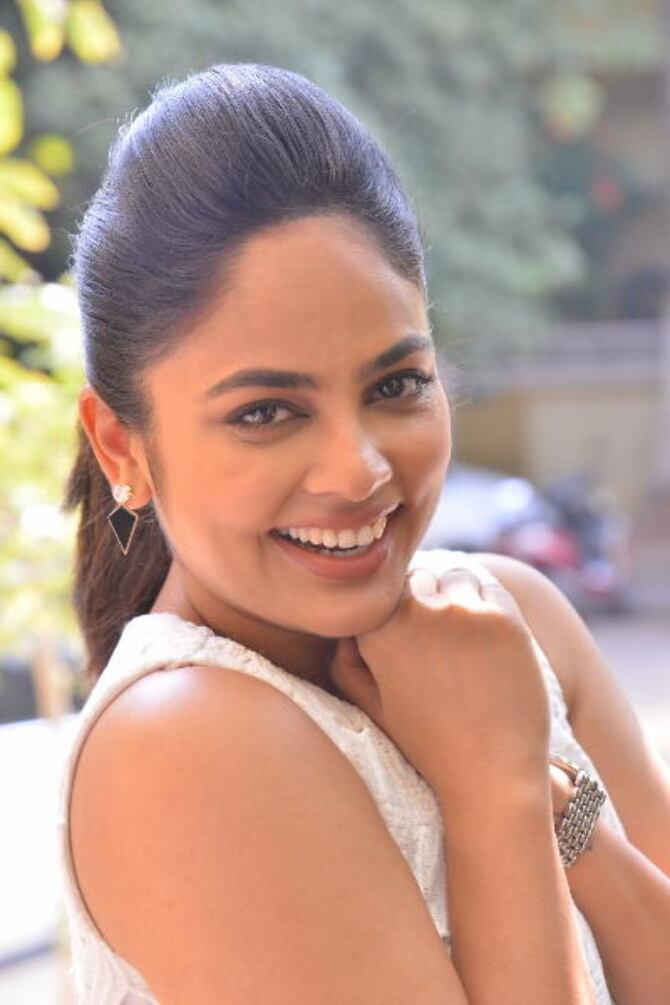 Bluff Master Heroine Naditha Swetha Interview Stills    40