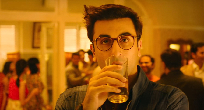 Ranbir Kapoor Jagga Jasoos Movie Khaana Khaake Song Pics   18