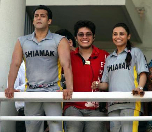 Salman Khan Rani Mukerji Junaid at Celebrity Charity Cricket Match at Brabourne Stadium Pic