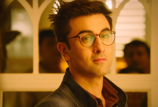 Ranbir Kapoor Jagga Jasoos Movie Khaana Khaake Song Pics   16