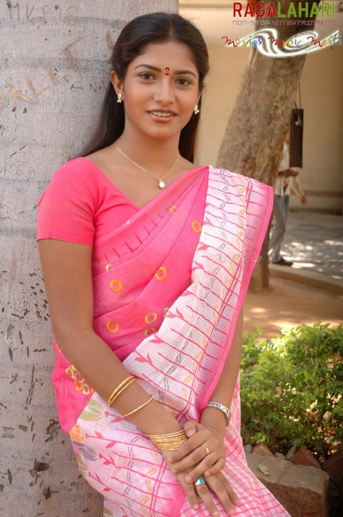 Actress gayathri in saree photos